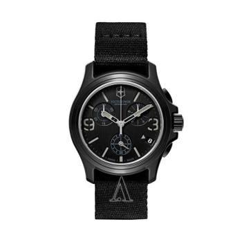 빅토리녹스 오리지널 크로노 시계 $450 → $69