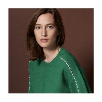 (성유리, 장윤주 착용) 산드로(프랑스) Au 진주 스웨터 225유로 → 112.5유로