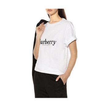 (블랙핑크 지수 착용) 버버리 우먼 자수 로고 티셔츠 225유로