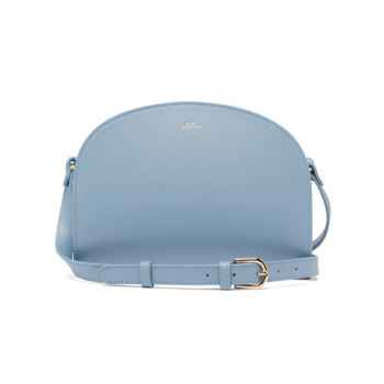 아페쎄 하프문 크로스바디백 (블루) $420 → $198.28