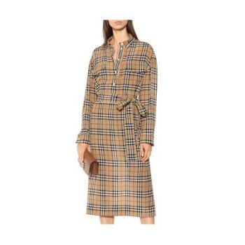 버버리 체크 실크 셔츠 드레스 970유로 → 756유로