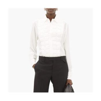 (전도연, 조이 착용) 보테가 베네타 퀼팅 빕 실크 셔츠 $1,464